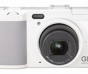 Ricoh Offers Up GR Digital IV Camera in Black and Limited Edition White