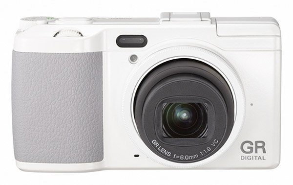 ricoh_gr_digital_iv_camera_white