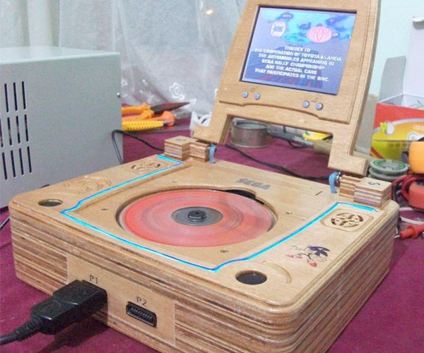 SEGA Saturn Laptop Gives Retro Gamers Wood
