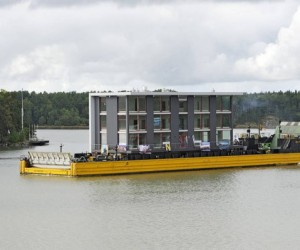Mobile Building Can Travel by Land and by Water