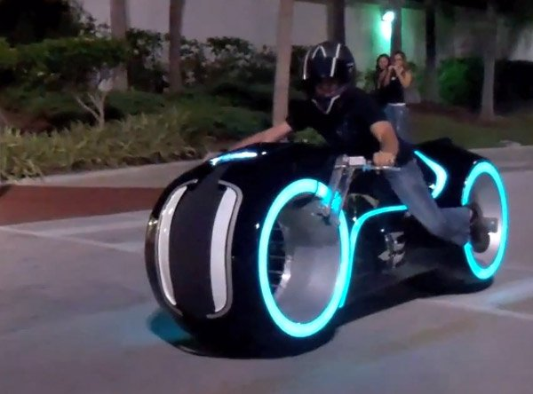 tron electric lightcycle parker brothers
