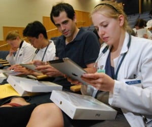 Yale School of Medicine Hands Out 520 iPads to Students