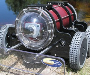 Hull Bug: An Underwater Roomba for Barnacles