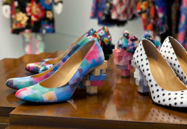 anrealage_pixel_art_collection_shoes_2