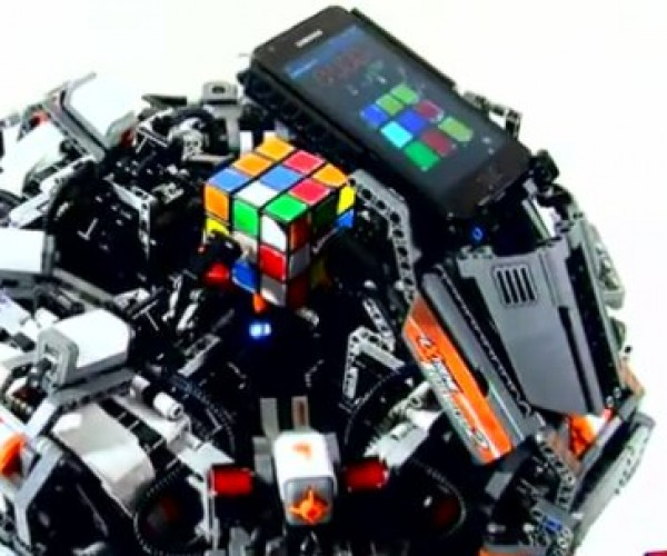 CubeStormer II LEGO Robot Now Holds World Record for Solving the Rubik's Cube