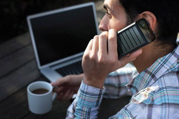 eton_mobius_iphone_charger_2