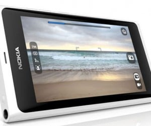 Nokia Announces Shiny White N9 Smartphone