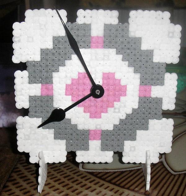 portal_companion_cube_clock