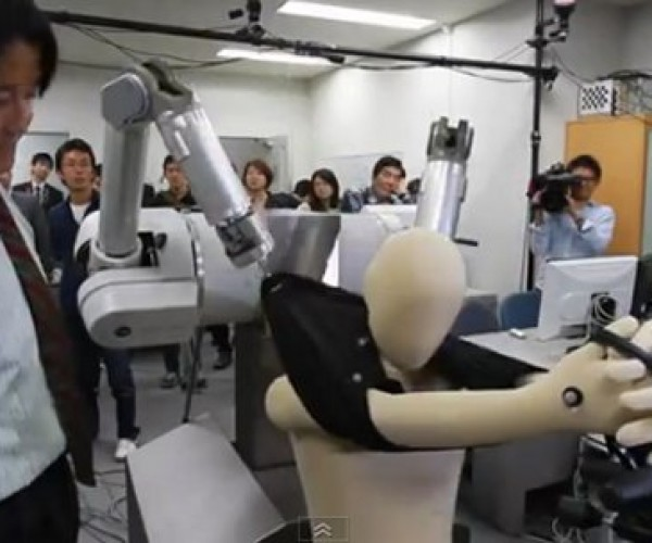 Robot Hopes to Dress Humans One Day, Sticks to Dummies for Now