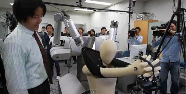 robot dresses dummy