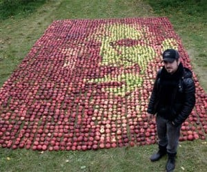 Steve Jobs Portrait Made Out of Apples: a Fitting Tribute