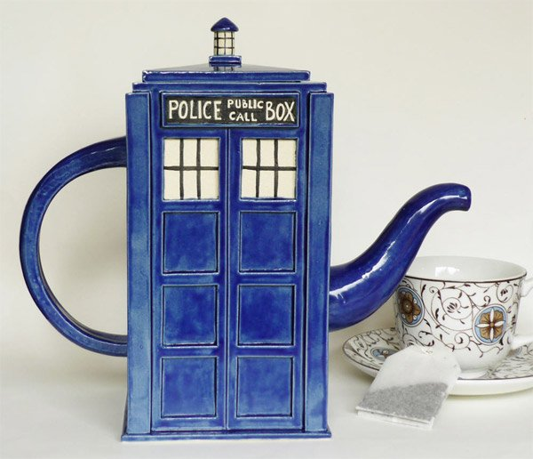 tardis tea pot 1