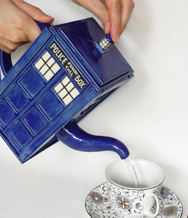 tardis tea pot 2