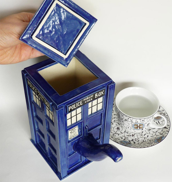 tardis tea pot 3