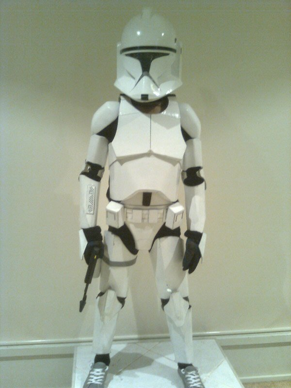 Cardboard clone trooper is a perfect clone technabob star wars clone trooper costume halloween cardboard cosplay solutioingenieria Gallery