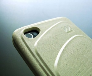 Miniwiz Re-Case: Sustainable iPhone 4/4S Case Made from Trash