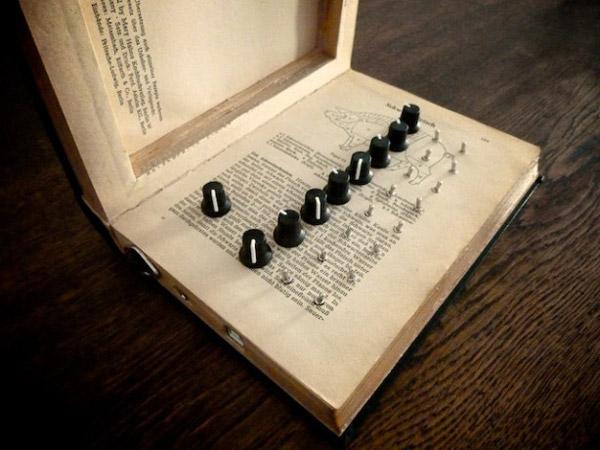 book synth meeblip konkreet labs music audio hack