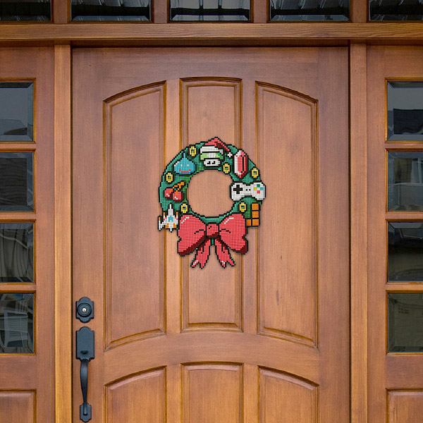 8_bit_holiday_wreath_2