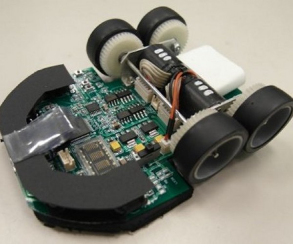 Min7 Micromouse Robot Solves Maze Under 4 Seconds, Real Mice out of a Job