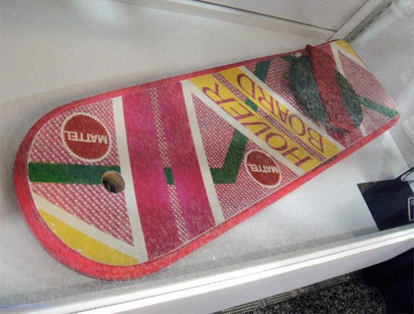 back_to_the_future_ii_hoverboard_2