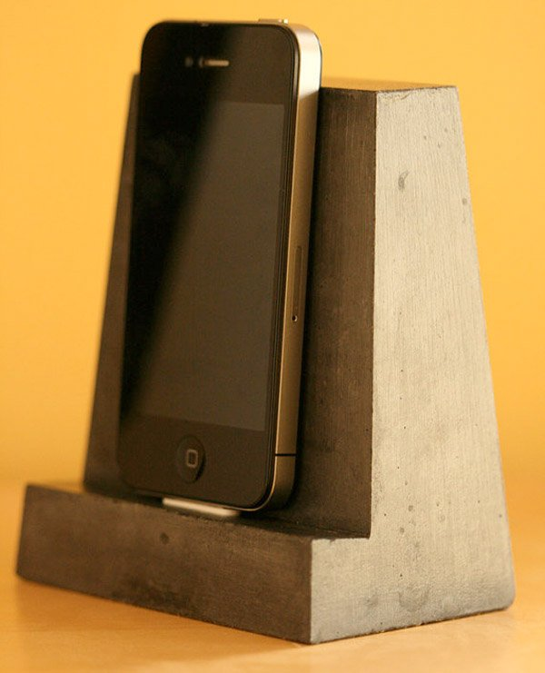 concrete iphone dock 2