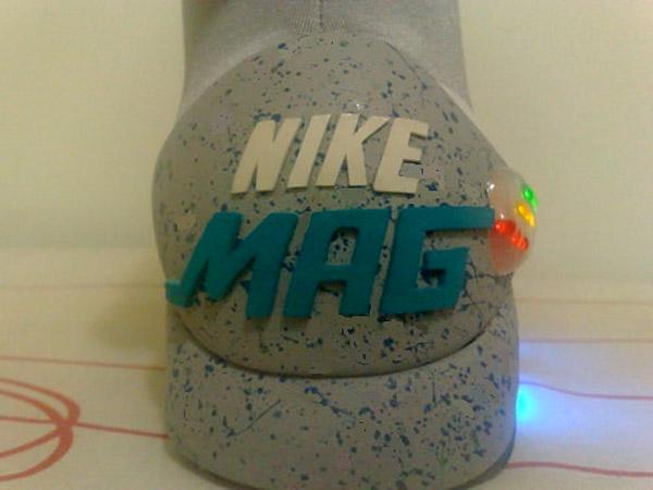 diy_nike_mag_bttf_sneakers_4