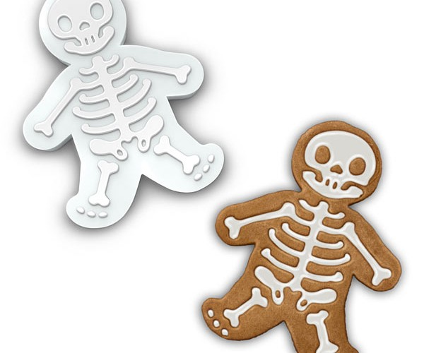 GingerDead Men Cookie Cutters: Don't Choke on Any Frosting Bones