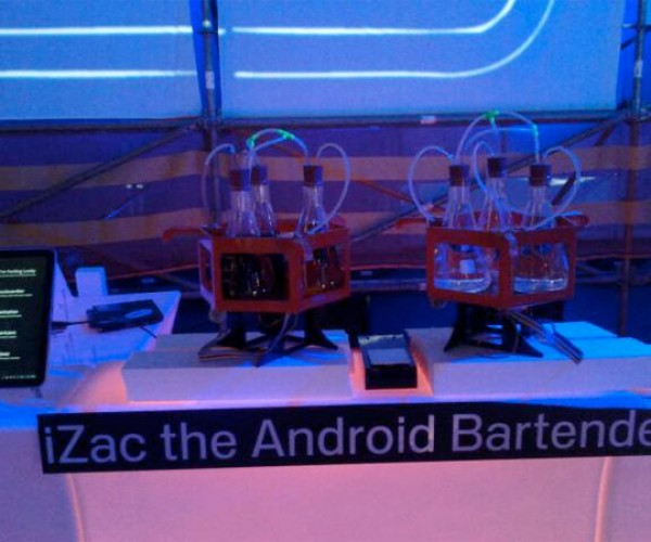 Izac the Android Bartender Serves Up Drinks, Won't Cut You Off