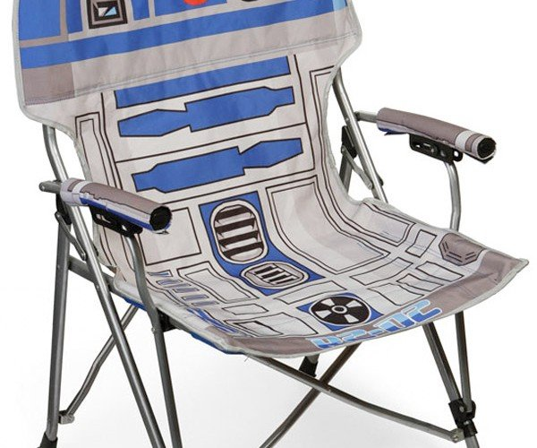 R2-D2 Folding Chair: Perfect for Lounging on the Sands of Tatooine