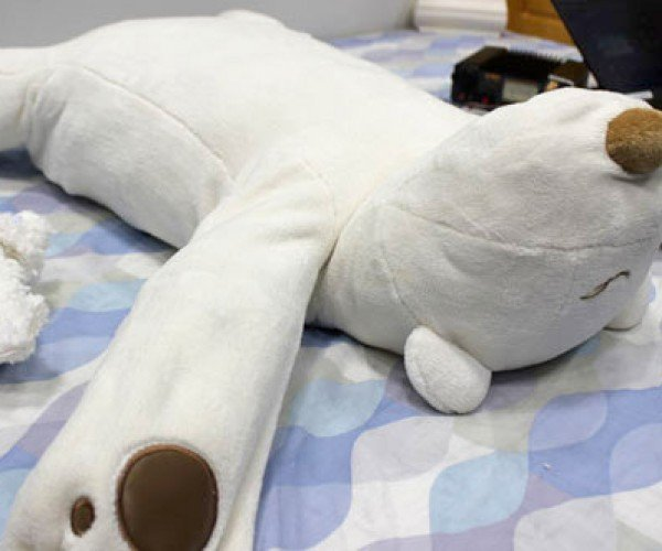 Pillow Robot Stops You from Snoring, Promises Not to Kill You in Your Sleep