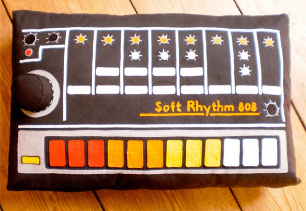 softmachines 808 pillow