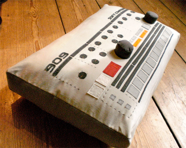 softmachines 909 pillow