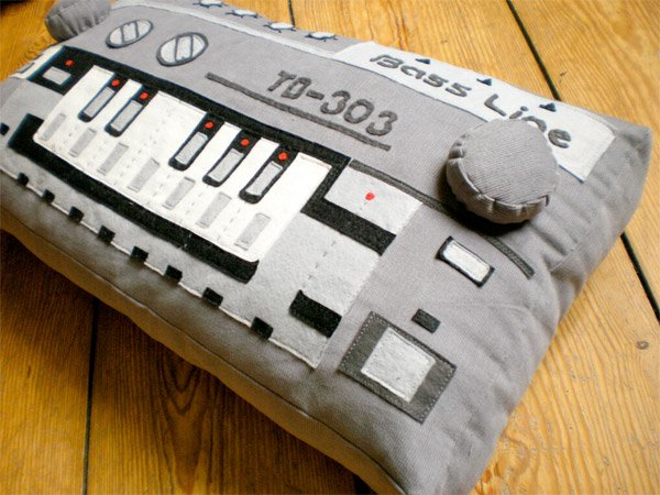 softmachines tb 303 pillow