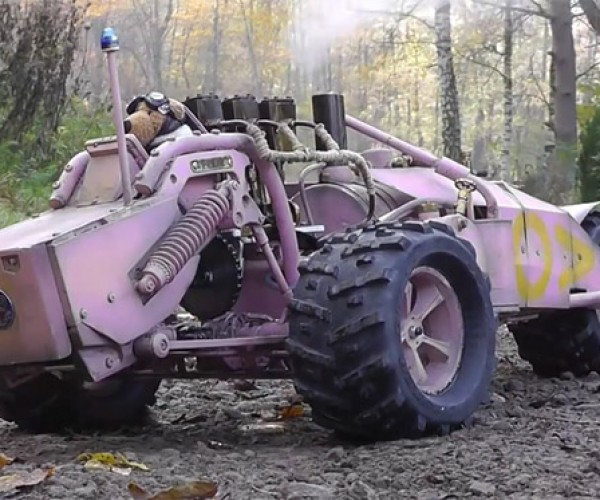 Remote Controlled Steam Trike Runs on Vapors, Driven by Teddy Bear