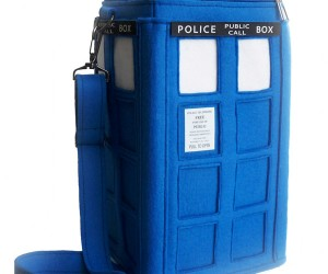 TARDIS Purse Lets You Carry Time and Space With You Wherever You Go