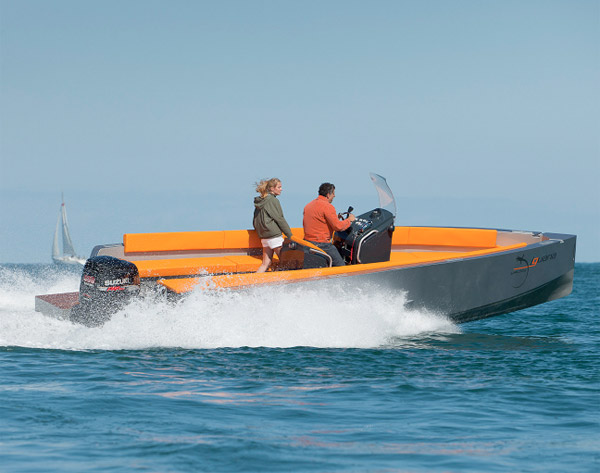 113011_iguana_29_amphibious_boat_4
