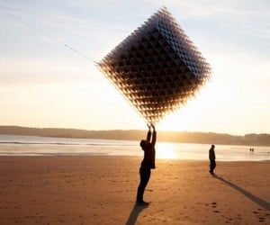 3D-Printed Cubic Kite Shouldn't Fly But Does