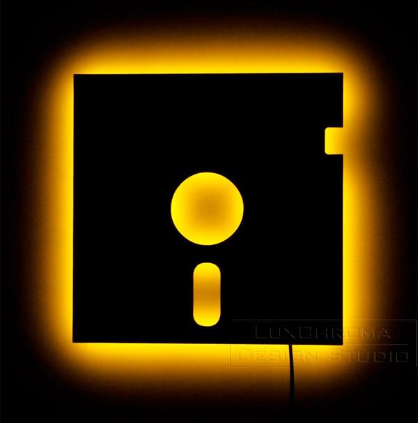 5-1-4-floppy_disk_lamp_1
