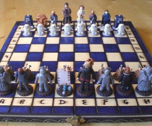 Handmade Doctor Who Chess Set: Knight to TARDIS 4