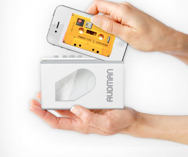 Audman Dock Turns iPhone into Walkman