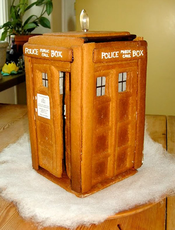 gingerbread tardis 1