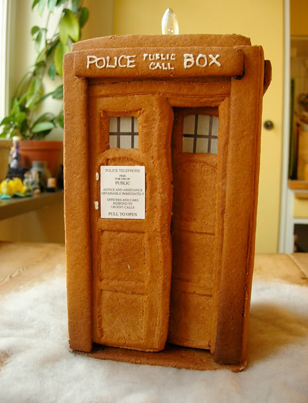 gingerbread tardis 2
