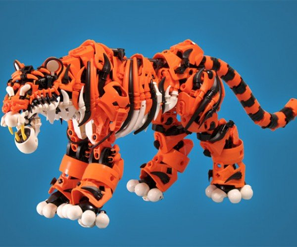 LEGO Bionicle Tiger Is on the Prowl