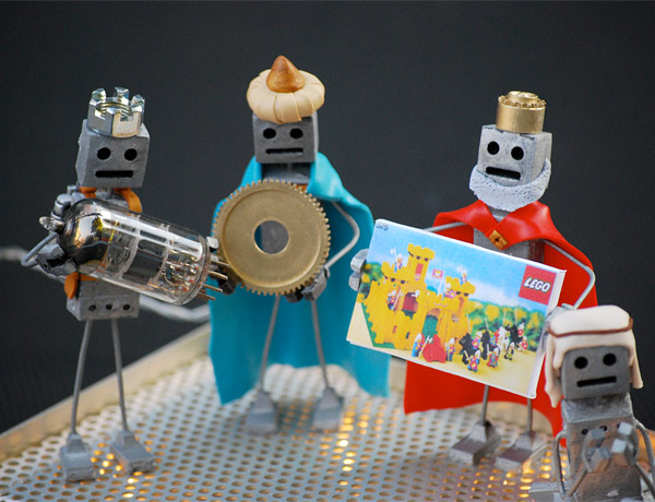 robot nativity 2