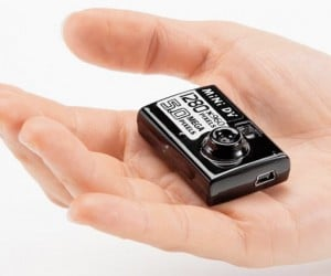 Sanwa Digital Toy Camera: So Tiny You'll Lose it Each and Every Time