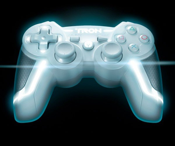 TRON Siren PS3 and Xbox 360 Controllers: A Little Late, But Still Awesome