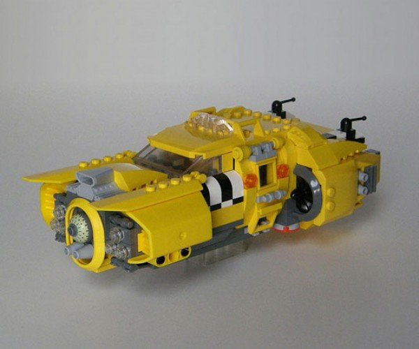 LEGO Fifth Element Taxi, Perfect for Those With No Points on their License