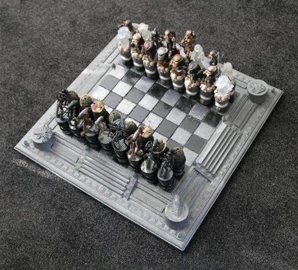 Aliens versus Predator chess 01