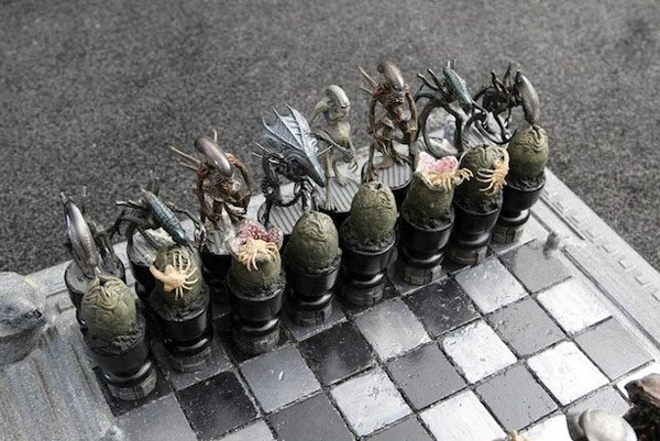 aliens versus predator chess game joker laugh