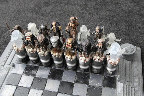 Aliens versus Predator chess 03
